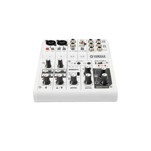 มิกเซอร์อนาล็อก ยี่ห้อ YAMAHA รุ่น AG06 6-Ch Mixer & USB Audio Interface